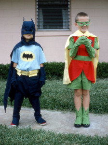 Kids in costume via wikimedia commons